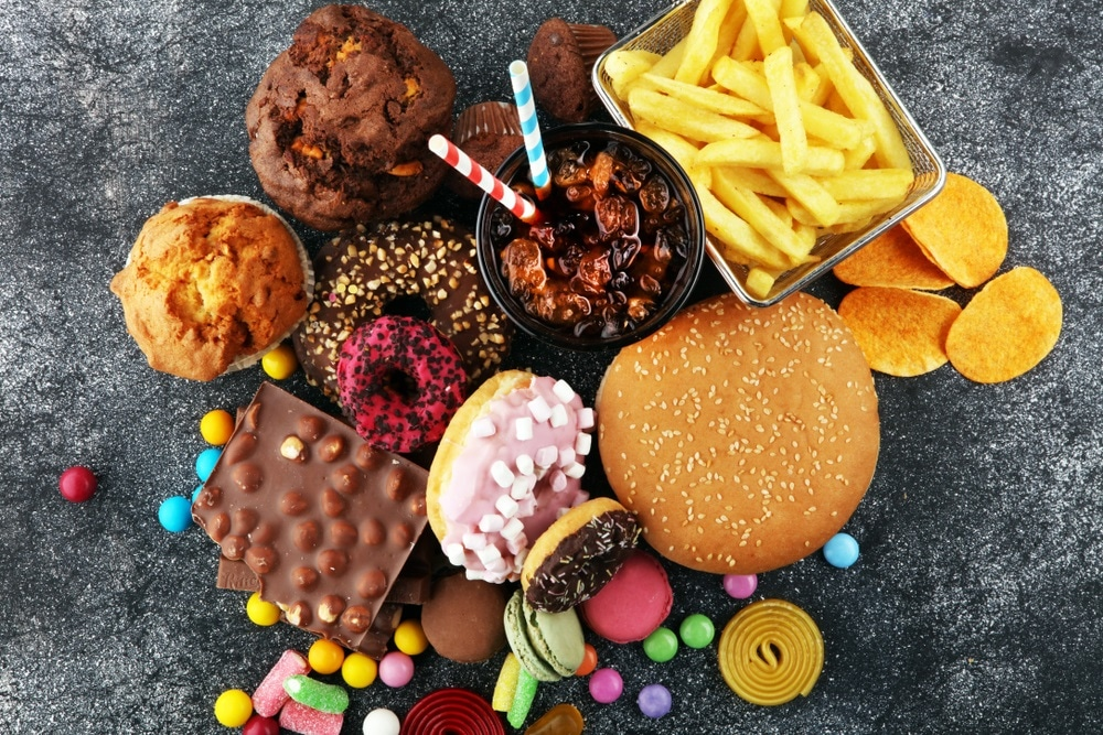 Data-driven definition of unhealthy yet pervasive 'hyper-palatable' foods